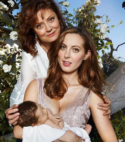 Susan sarandon poses with granddaughter in new photo upi com