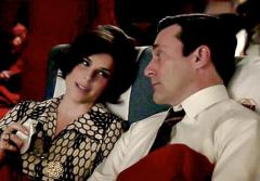 Neve Campbell made a surprise apperance on Sunday night's 'Mad Men' premiere