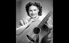 Country music icon Kitty Wells dead at 92