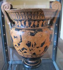 Ancient drinking cup, taken by tomb raiders, returns to its hometown in Italy