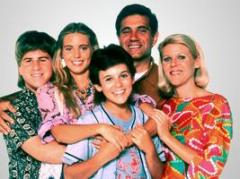 'The Wonder Years' cast shares photos of reunion