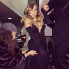 Mariah Carey dons very low-cut dress for BET Honors