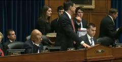 Elijah Cummings loses it when Darrell Issa cuts off his mic at hearing