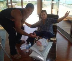 'Entourage' star Kevin Connolly breaks leg playing football with Seahawks QB Russell Wilson