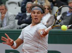 Nadal drops early set but wins at French Open