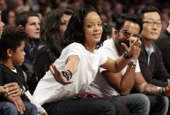 Rihanna, Miley Cyrus skip the Grammy Awards