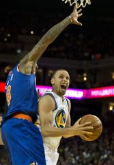 Stephen Curry scores 40, Warriors beat Heat