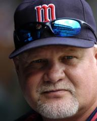 Gardenhire signs extension to manage Twins