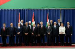 Palestinian Unity government sworn in at Ramallah ceremony [PHOTOS]