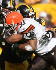 Concussion ends season of Jamal Lewis