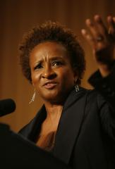 Wanda Sykes's wife gives birth to twins