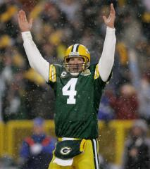 Packers GM: Favre situation 'difficult'