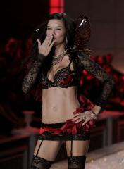 Adriana Lima gives birth to 2nd daughter