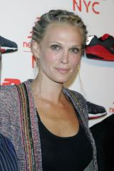 Molly Sims pregnant with first baby
