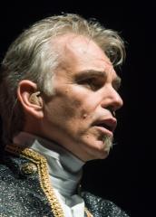 Thornton, Wilkinson embrace 'Duplicity'