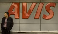 Avis to buy Zipcar for $500 million