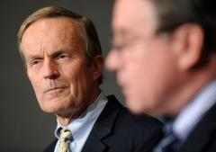 Akin leaves exit door slightly open