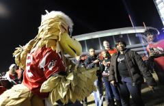 Falcons mascot apologizes for suicide tweet