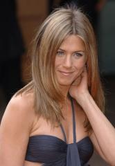 Aniston and Mayer no longer dating