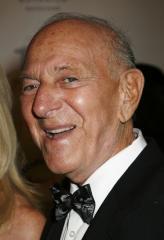 'Odd Couple' star Jack Klugman dead at 90