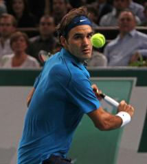 Federer, top seeds win at Rotterdam