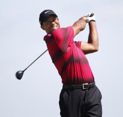 Tiger Woods shoots 65 at The Barclays