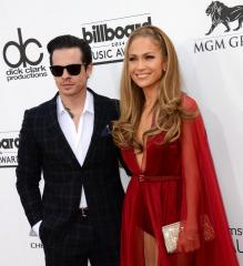 Jennifer Lopez and Casper Smart split after two and half years of dating