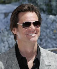 Carrey, Firth tout 'Christmas' in Cannes