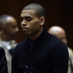 Media clamors to cover Chris Brown hearing