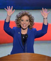 Wasserman Schultz re-elected DNC leader