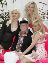 Hugh Hefner reportedly reached out to Kendra Wilkinson amid cheating scandal