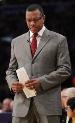 Gentry out as coach of Suns