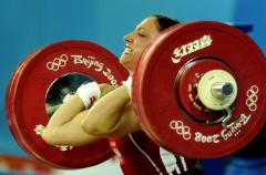 Mangold seeking strongest woman title