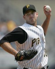 MLB: Pittsburgh 5, Atlanta 0 (1st game)