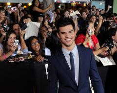 Lautner of 'New Moon' says Foxx a big fan