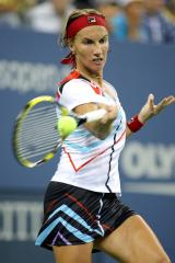 Kuznetsova injured in WTA tournament