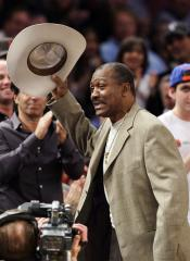 Ex-heavyweight champ Frazier dies at 67