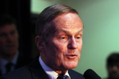 Women's group tries to help Todd Akin