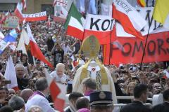 Pope John Paul II's hometown prepares for his canonization with theater