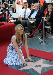 Aniston and Theroux not marrying in Crete