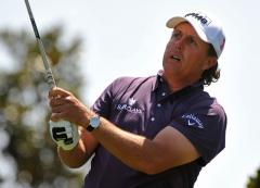 Mickelson rallies to take third Masters