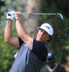 Mickelson returns to golf Top 10