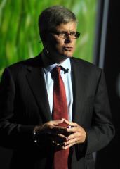 Qualcomm promotes Mollenkompf to CEO