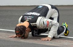 Brazil's Tony Kanaan wins hotly contested Indianapolis 500