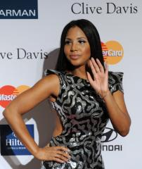 Singer Toni Braxton hospitalized for lupus complications