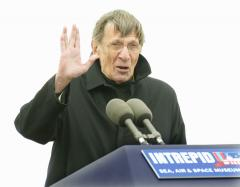 Nimoy glad to be back with 'Fringe'