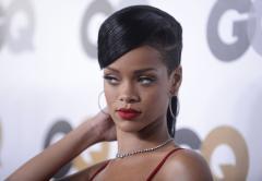 'Diamonds' tops U.S. record chart again