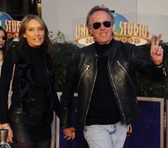 Peter Fonda discovers dead man's body