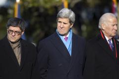 Kerry meets with leaders in Tunis before flying to Paris