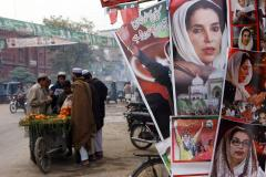 Court orders new trial in Benazir Bhutto assassination case